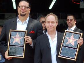 penn__teller, surprise is the key to magic. And advertising